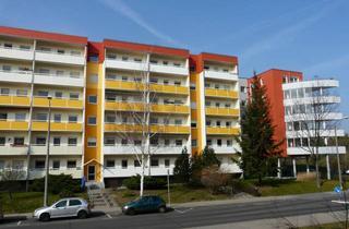Wohnung mieten in Radebeuler Straße 25, 01640 Coswig, Sanierte 3-Raumwohnung mit großer Loggia