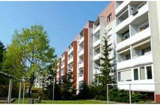 Wohnung mieten in Ahornstraße, 01640 Coswig, Ruhig gelegene, sanierte 3-Raumwohnung mit Balkon