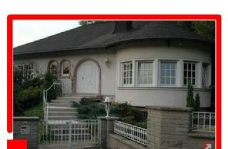Villa kaufen in 66119 Saarbrücken, Luxuxsvilla in repräsentiver Wohnlage, direkt hinter der Grenze in Alsting