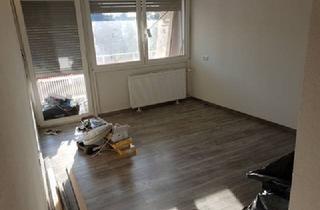 Wohnung kaufen in 75328 Schömberg, Kernsanierte 2-Zimmer Wohnung