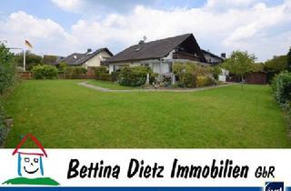 Einfamilienhaus kaufen in 63762 Großostheim, DIETZ: Beeindruckendes, freistehendes Einfamilienhaus in ruhiger Lage von Großostheim OT Ringheim