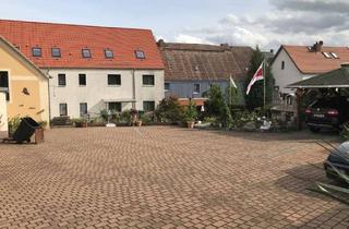Wohnung mieten in Oschatzer Straße, 01616 Strehla, Große 2-Raum-Dachgeschosswohnung mit Stellplatzmöglichkeit!