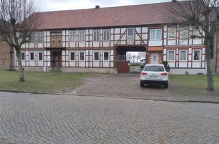 Haus kaufen in Lindenstr. 12 + 12a, 39624 Kahrstedt, Teilsaniertes Anlageobjekt 5 Wohnungen in Sachsen Anhalt
