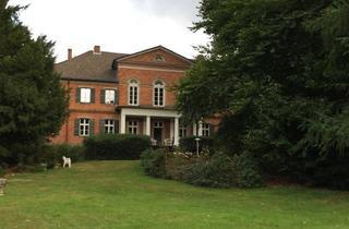 Wohnung mieten in 23881 Niendorf, Leben im Park / Wohnung im historischen Herrenhaus mit schnellem WLAN