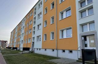Wohnung mieten in L.-Jahn-Str. 2-6, 39646 Oebisfelde, Modernisierte 3-Zi-Wohnung mit großem Balkon