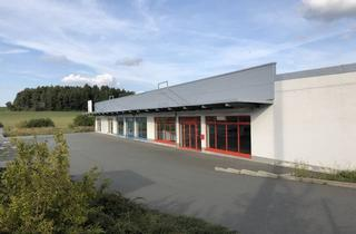 Gewerbeimmobilie mieten in Gewerbegebiet Im Schönthal 1-6, 91287 Plech, attraktive Einzelhandelsfläche in hoch frequentiertem Fachmarktzentrum