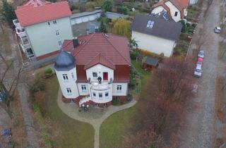 Wohnung mieten in 16547 Birkenwerder, Exclusives Appartement (komplette Etage) in Jugendsilvilla mit Wintergarten, Kaminzimmer und Musikraum mit Flügel.