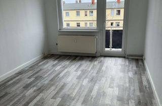 Wohnung mieten in 17159 Dargun, Frisch renovierte 3 Zimmer-Etagenwohnung mit Balkon + Einbauküche